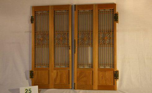 古民具・レトロな古い格子木製扉 2枚セット(観音開き)【木材・古材販売商品のご案内】写真