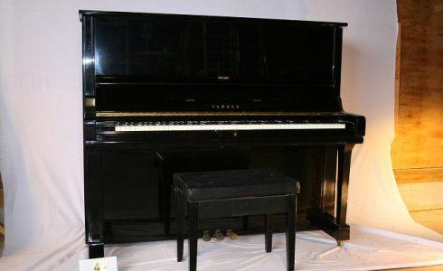 YAMAHA アップライトピアノ ディスプレイ用写真