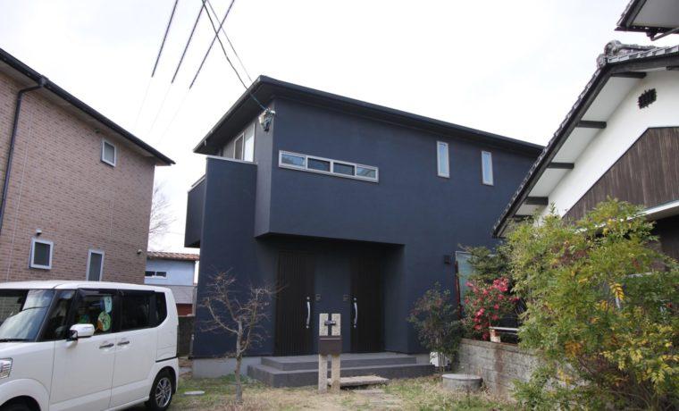 愛媛県松山市西垣生町二世帯住宅