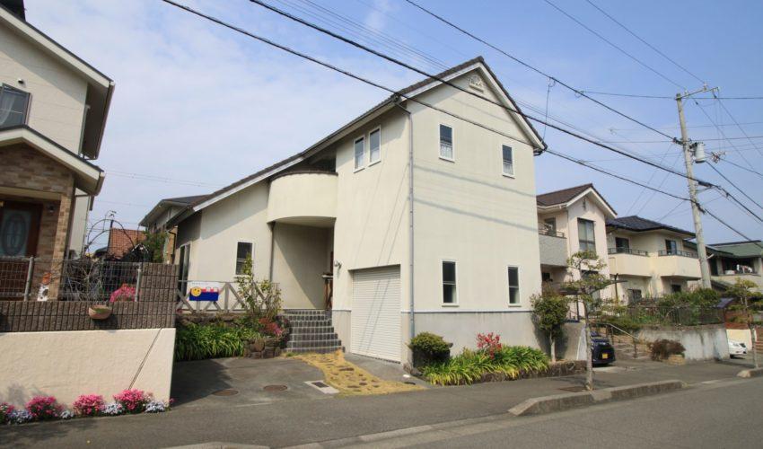 愛媛県松山市青葉台ビルトインガレージの家